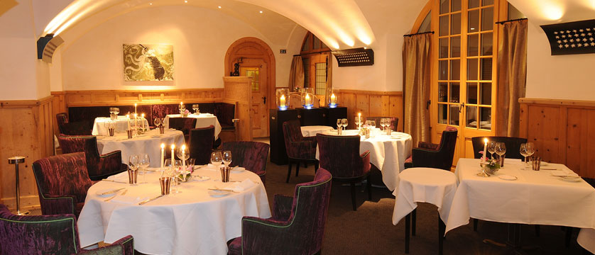 Switzerland_St-Moritz_Hotel-Kulm_Restaurant-dining-room.jpg